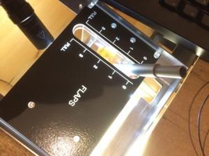 Flaps Panel mit Lever. Kurz Hintergrundbeleuchtet mit einer Taschenlampe